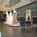 Подготовка к свадьбе: покупка нарядов и колец в московских салонах